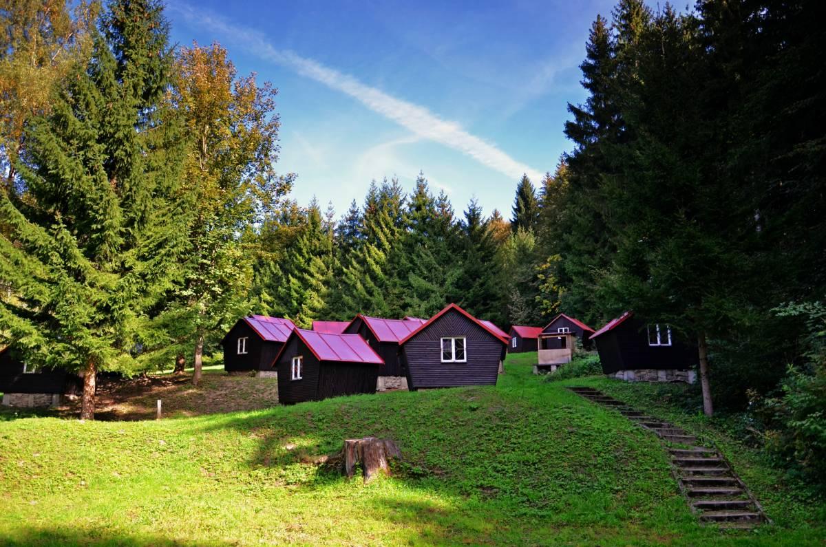 Táborové chatky